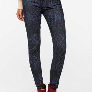 BDG Mid Rise Twig Ankle Laser Print Jeans Size 27